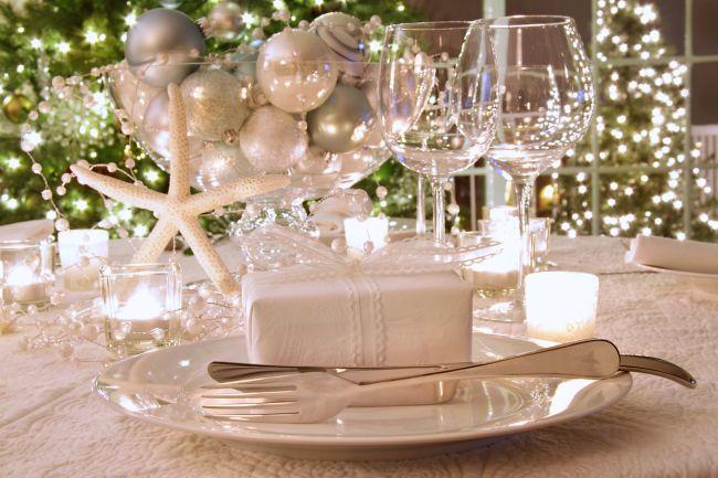 Table Settings For Christmas