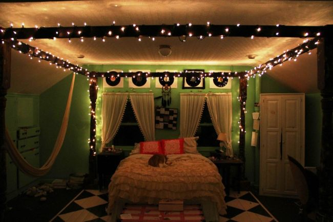 Christmas Decorations for Bedrooms