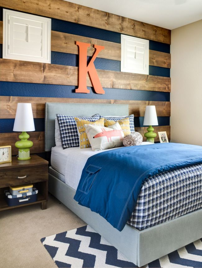 Wood Accent Wall in Bedroom