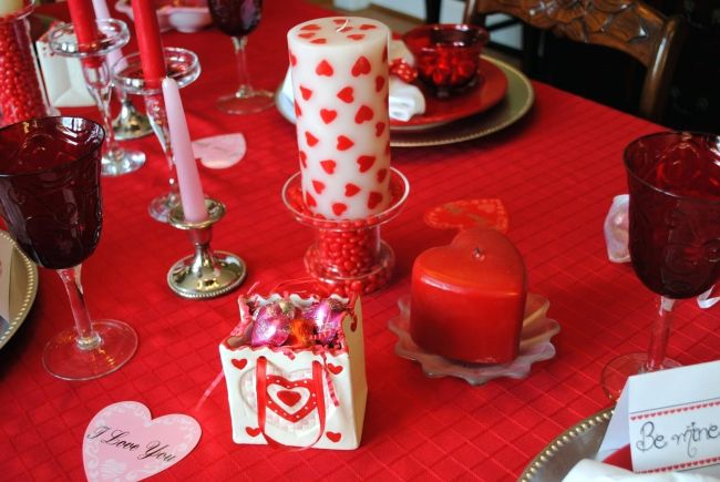Valentine Day Table Decorations
