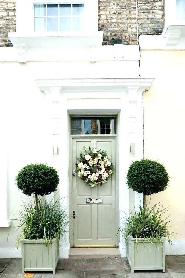 Front door planter ideas 36 plants for front door for Ornamental grasses for small spaces