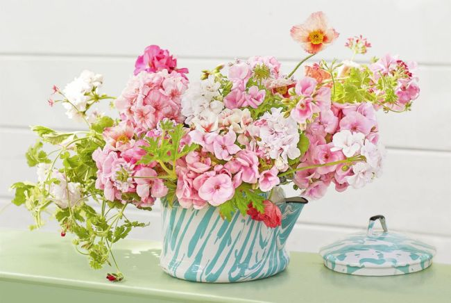 39 Stunning Floral Centerpieces For Dining Tables | Homeoholic
